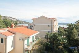 Вид. Черногория, Игало : Студия в 50 метрах от моря, с кондиционером и плазменным телевизором