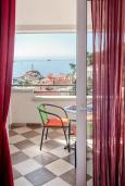 Балкон. Черногория, Петровац : Апартаменты с отдельной спальней, с балконом с видом на море