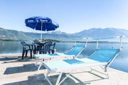Территория. Черногория, Обала Джурашевича : Трехэтажная вилла на берегу моря, с 3-мя гостиными, с 6-ю спальнями, 3-мя ванными комнатами, с 3-мя балконами, огромной террасой с шикарным видом на море