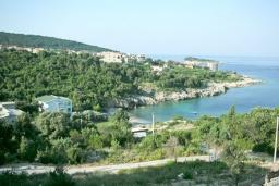 Ближайший пляж. Черногория, Утеха : 3-х этажный дом в Полюшково в 50 метрах от пляжа с 4-мя отдельными спальнями, с 5-ю ванными комнатами, с большой гостиной, кухней, с комнатой отдыха. несколько парковочных мест