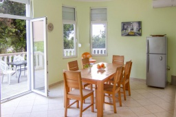 Dining area. Montenegro, Uteha : Villa with 4 bedrooms in Uteha for 12 guests