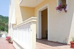Терраса. Черногория, Шушань : Двухместные апартаменты-студио с небольшой террасой