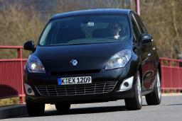 Renault Grand Scenic 1.5 автомат : Черногория