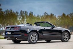 Ford Mustang 3.7 автомат кабриолет : Черногория