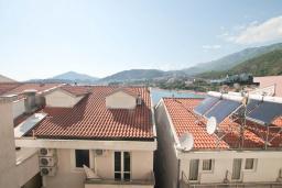 Вид. Черногория, Рафаиловичи : Студия с балконом и частичным видом на море