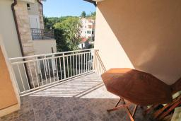 Балкон. Черногория, Петровац : Апартамент для 4 человек, с 2-мя отдельными спальнями, 70 метров до моря