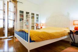 Спальня 2. Черногория, Риека Режевичи : Двухэтажный каменный дом с бассейном и видом на море, гостиная, 4 спальни, 3 ванные комнаты, место для барбекю, место для парковки, Wi-Fi