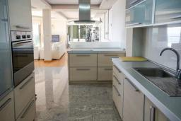 Kitchen. Montenegro, Budva : Villa with 3 bedrooms in Budva for 8 guests