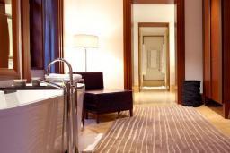 Ванная комната. Черногория, Святой Стефан : Queen Marija Suite