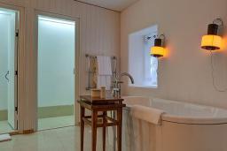 Ванная комната. Черногория, Святой Стефан : Grand Suite