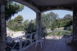 Терраса. Черногория, Бигова : Двухэтажная вилла с гостиной, 4-мя спальнями, 2-мя ванными комнатами, общий бассейн, место для барбекю, парковка, Wi-Fi