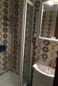 Ванная комната 2. Черногория, Рафаиловичи : Каменный дом в 100 метрах от моря, 4 спальни, 3 ванные комнаты, большая терраса