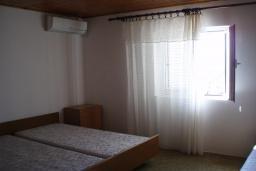 Спальня 2. Черногория, Ораховац : Апартамент недалеко от пляжа, 2 спальни, большой балкон с видом на море