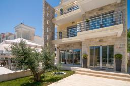 Фасад дома. Casa del Mare - Mediterraneo 4* в Герцег Нови