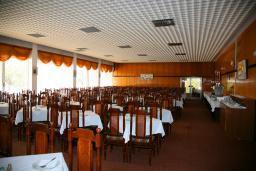 Кафе-ресторан. Albatros 2* в Ульцине