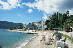 Ближайший пляж. Swiss Montenegro в Герцег Нови