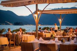 Терраса. Conte Hotel & Restaurant 4* в Перасте