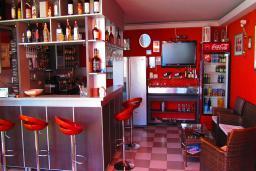 Кафе-ресторан. Haus Freiburg 4* в Ульцине