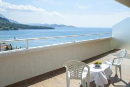 Балкон. Черногория, Сутоморе : Люкс с видом на море
