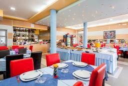 Кафе-ресторан. Lion 3* в Велика плажа