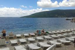 Ближайший пляж. Galija в Герцег Нови