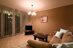 Студия (гостиная+кухня). Черногория, Бечичи : Номер-студио с террасой