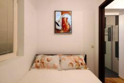 Спальня. Черногория, Бечичи : Апартаменты Делюкс с 1 спальней и балконом