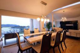 Гостиная. Черногория, Бечичи : Пентхаус с 3 спальнями и большим балконом с шикарным видом на море