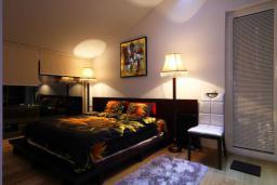 Спальня. Черногория, Бечичи : Пентхаус с 3 спальнями и большим балконом с шикарным видом на море