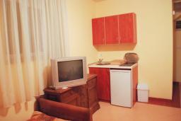 Студия (гостиная+кухня). Черногория, Рафаиловичи : Студио №101