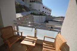 Балкон. Черногория, Рафаиловичи : Студио №704 с боковым видом на море