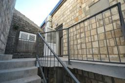 Лестница наверх. Vila Raff 3* в Рафаиловичах