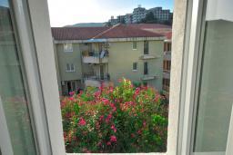 Вид. Черногория, Рафаиловичи : Четырехместный номер №4 (Dbl+ex.bed/STD)