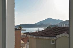 Вид на море. Черногория, Рафаиловичи : Четырехместный номер с видом на море (Dbl+ex.bed/SV)