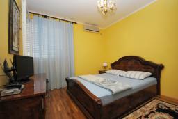 Спальня. Черногория, Будва : Двухместный номер (№107 DBL)