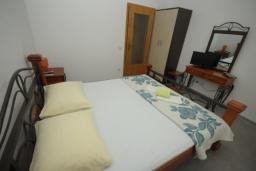 Спальня. Черногория, Будва : Апартамент с 1 спальней и террасой (№3 App 02+1)