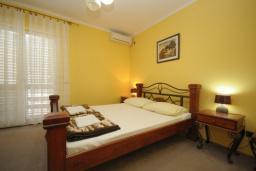 Спальня. Черногория, Будва : Апартамент с 1 спальней и балконом (№103 APP 02+1)