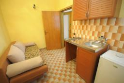 Гостиная. Черногория, Будва : Апартамент с 1 спальней и балконом (№103 APP 02+1)