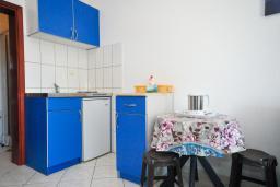 Студия (гостиная+кухня). Черногория, Рафаиловичи : Трехместная студия на первом этаже (№4 Studio 03)