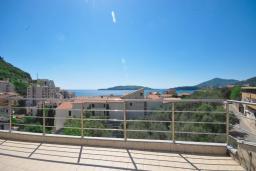 Вид на море. Черногория, Рафаиловичи : Трехместная студия с видом на море, на втором этаже (№8 Studio 03)
