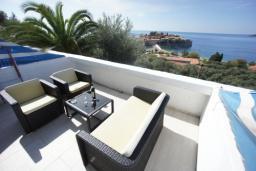 Вид на море. Черногория, Святой Стефан : Люкс апартамент с 2-мя спальнями и видом на море, на 2 этаже (№7 АРР 04 Lux SV)