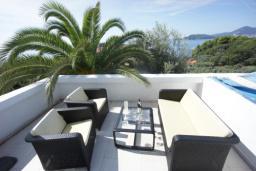 Вид на море. Черногория, Святой Стефан : Люкс апартамент с 2-мя спальнями и видом на море, на 2 этаже (№8 АРР 04 Lux SV)