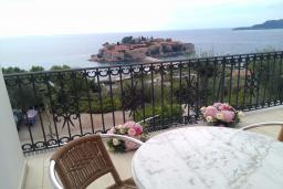 Вид на море. Черногория, Святой Стефан : Трехместная студия люкс с видом на море, на 2 этаже (№3 STUDIO 03 Lux/SV)