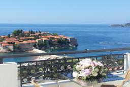 Вид на море. Черногория, Святой Стефан : Трехместная студия люкс с видом на море, на 4 этаже (№10 STUDIO 03 Lux/SV)