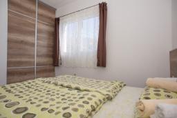 Спальня. Черногория, Бечичи : Апартамент с отдельной спальней, с балконом