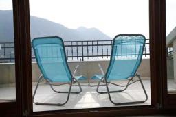 Балкон. Черногория, Доброта : Апартамент с балконом и шикарным видом на море, большая гостиная, отдельная спальня