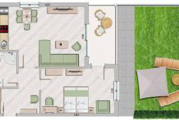 Черногория, Бечичи : Современный апартамент с гостиной, отдельной спальней, террасой с зеленой лужайкой и видом на море, в комплексе с большим бассейном