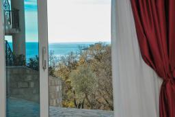 Вид на море. Черногория, Петровац : Роскошная студия с кондиционером и плазменным телевизором