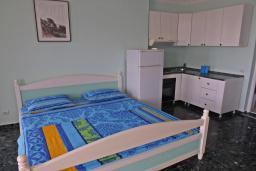 Спальня 3. Черногория, Петровац : Прекрасная вилла с бассейном и видом на море, 5 спален, 5 ванных комнат, барбекю, Wi-Fi