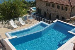 Бассейн. Черногория, Шушань : Современная вилла с бассейном и видом на море, 3 спальни, барбекю, парковка, Wi-Fi